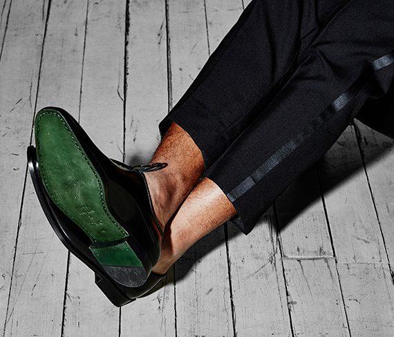designidentity_photography_fashion_model_ecommerce_mens_formal_footwear_black_green